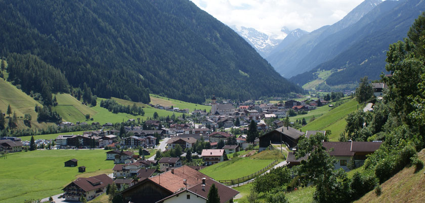 Austria_Austrian-Tyrol_Neustift_Stubai-valley3.jpg